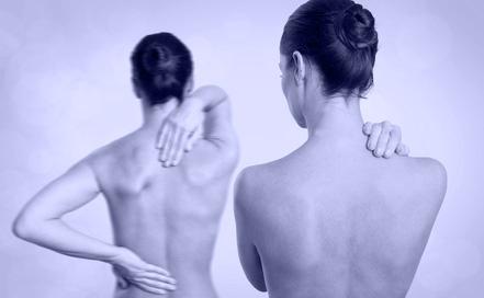Bei den Männern der Schmerz unten des Bauches rechts und den Schmerz in der Lende